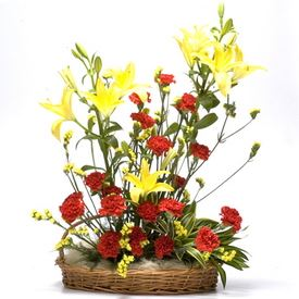 Basket Bouquet with Fresh Flower