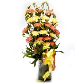 Glass Vase with Fresh Flower Arrangement 7