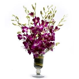 Glass Vase with Fresh Flower Arrangement 9